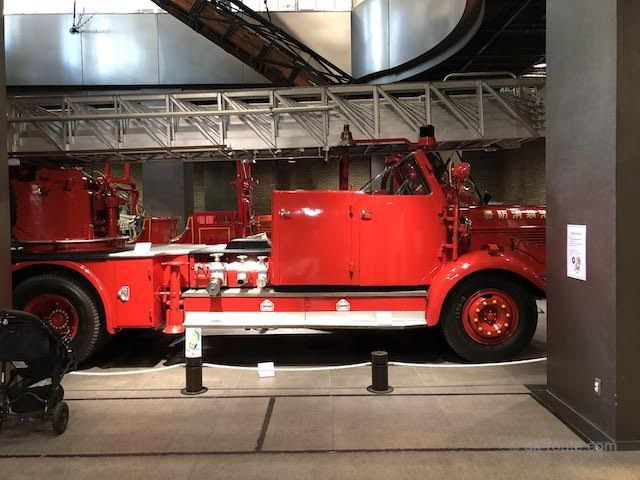 ベンツ・メッツ梯子自動車(消防博物館B1F展示)