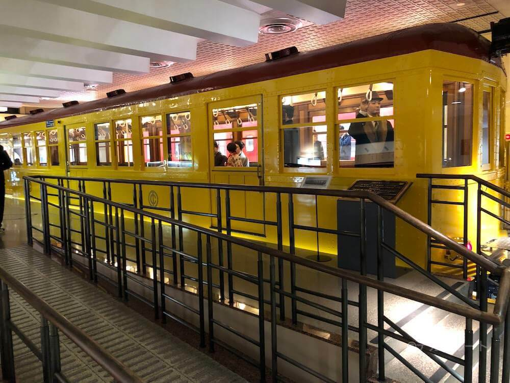 国の重要文化財「銀座線1001号車」の展示風景 in 地下鉄博物館