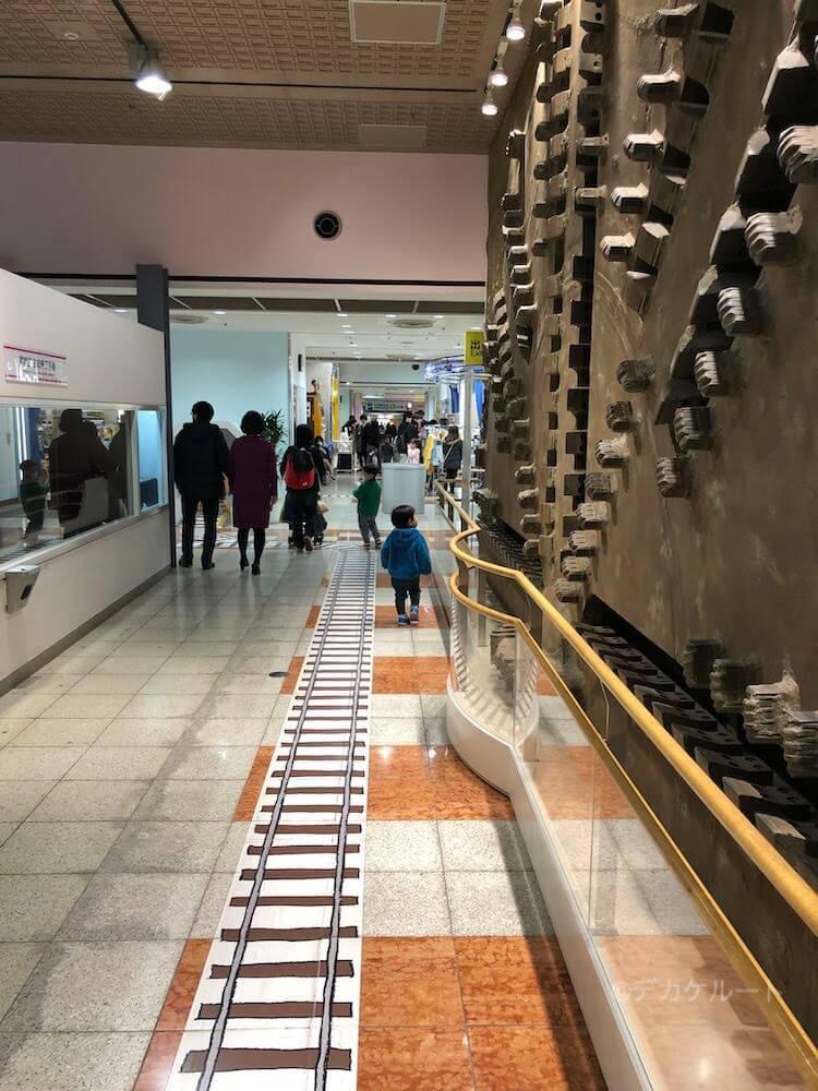 地下鉄の穴を掘るために使われたシールドマシン カッティングディスク